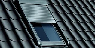 Volet roulant fenêtre de toit électrique