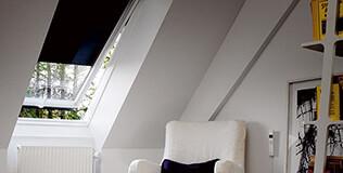Volet roulant fenêtre de toit solaire